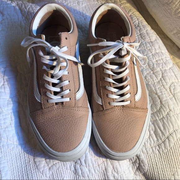 000a8aff96087b Vans Old Skool Pink Leather Sneaker size 9.5. M 5bc419f86a0bb724333441b2